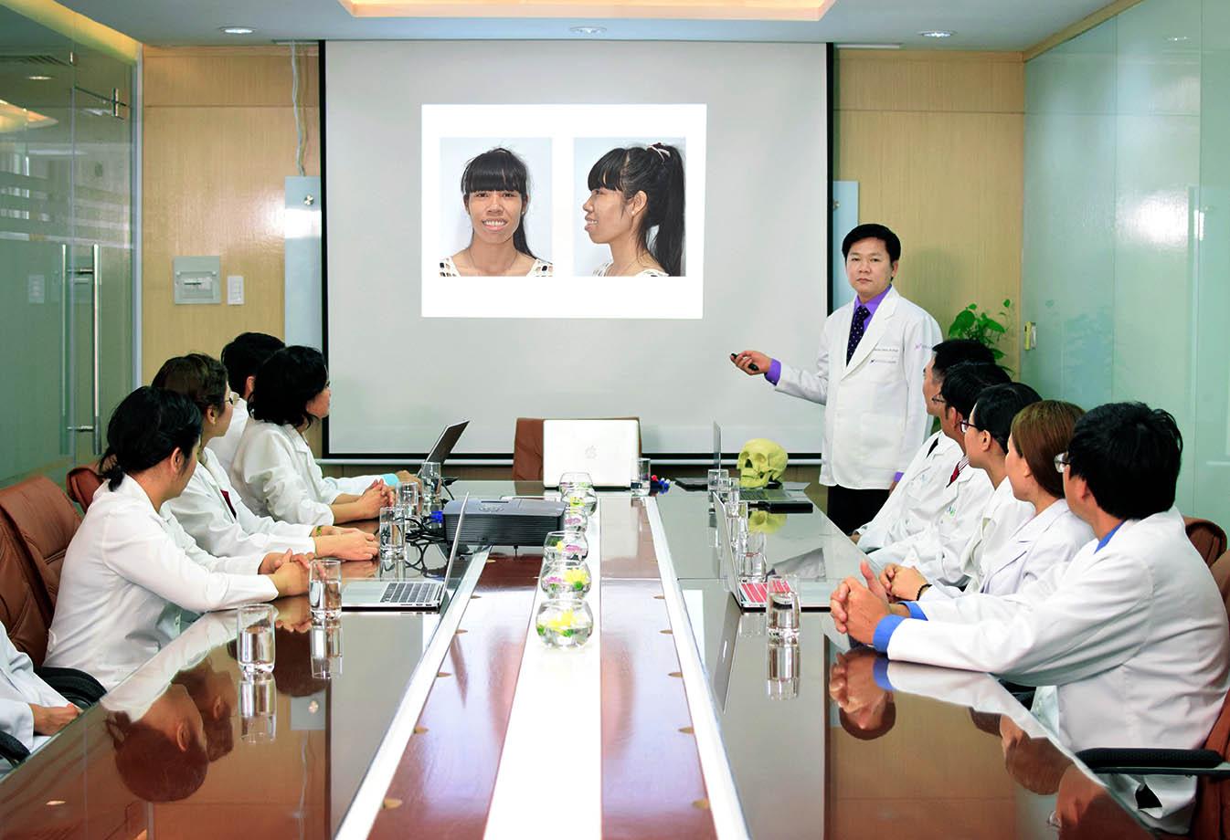 TS. BS. Nguyễn Phan Tú Dung phân tích nguyên nhân hô là đâu tại JW