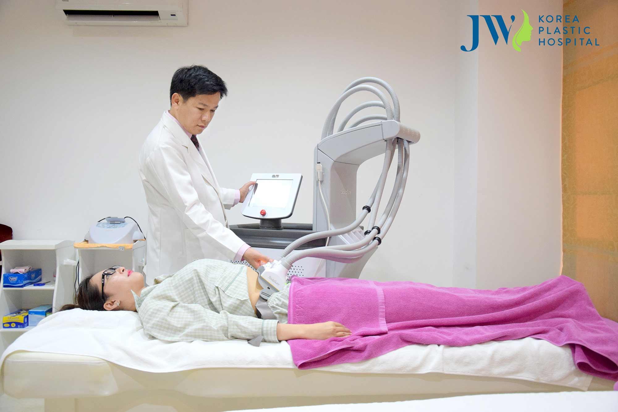 Hút mỡ bụng Laser Lipo không xâm lấn, không tác động, không gây đau đớn