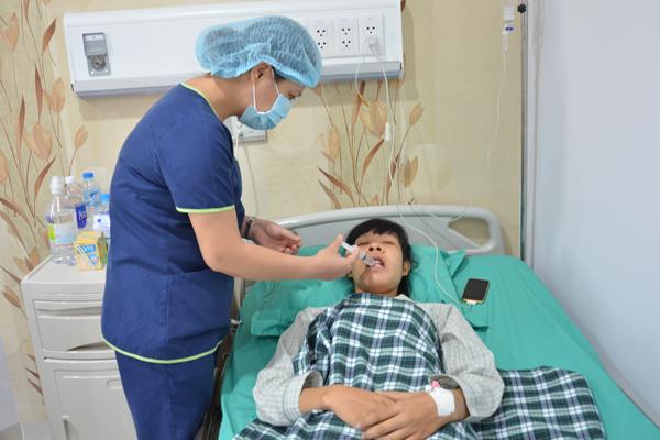 Phòng chăm sóc sau phẫu thuật tiện nghi, đội ngũ y tế luôn tận tình vì khách hàng