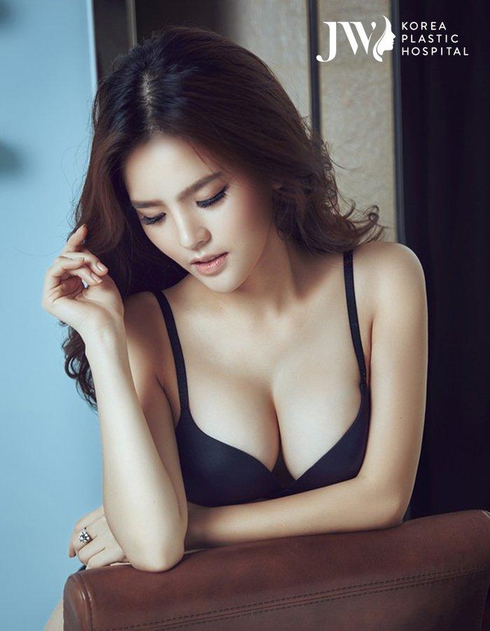 Khuôn ngực mềm mại và đầy quyến rũ