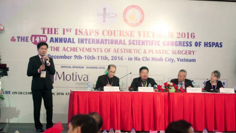 TS. BS. Nguyễn Phan Tú Dung cùng bác sĩ tại JW thường xuyên tham gia các hội thảo lớn trong nước và ở nước ngoài