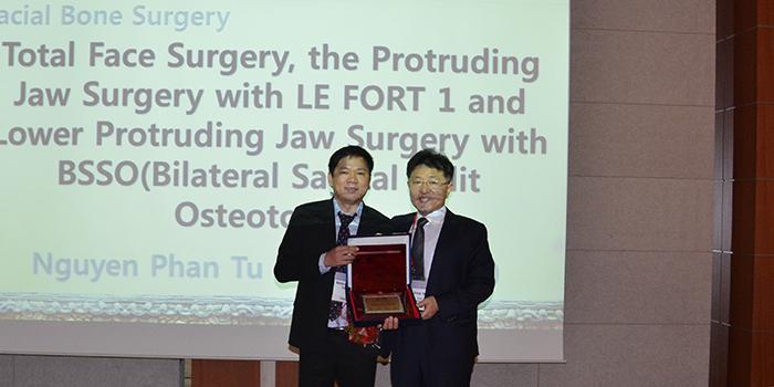 dr Dung báo cáo hàm mặt tại hội nghị quốc tế Hàn Quốc