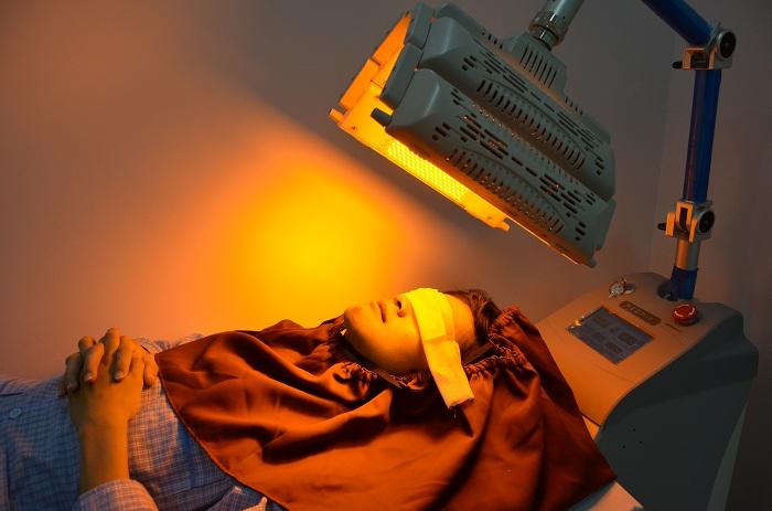 Máy giảm sưng đau sau phẫu thuật hàm mặt tại JW