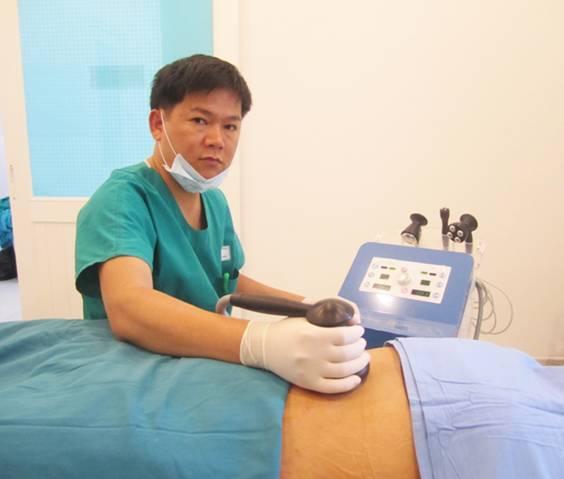 Hút mỡ Laser Lipo tại JW được kết hợp với đi đi sóng siêu âm RF cho làn da vùng điều trị không bị chùng, nhão chảy xệ…