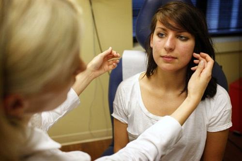 phương pháp nâng mũi bằng sụn tai