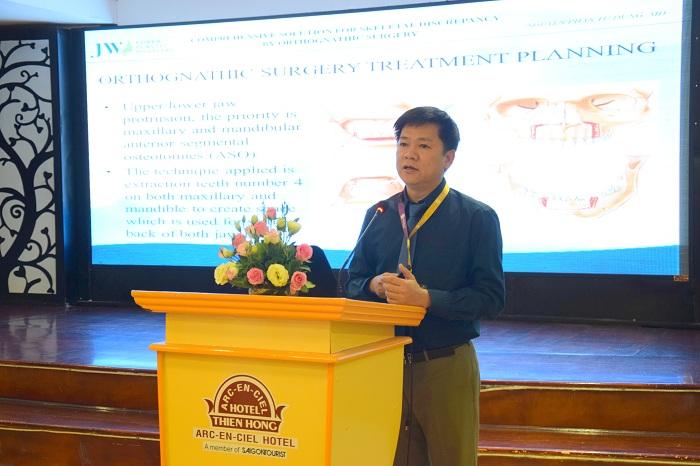 TS. BS. Nguyễn Phan Tú Dung báo cáo đề tài phẫu thuật hàm hô móm tại các hội thảo lớn
