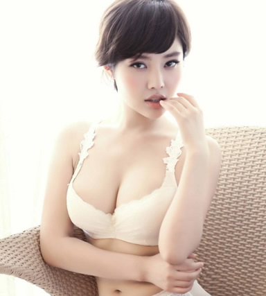 lợi ích của ngực to