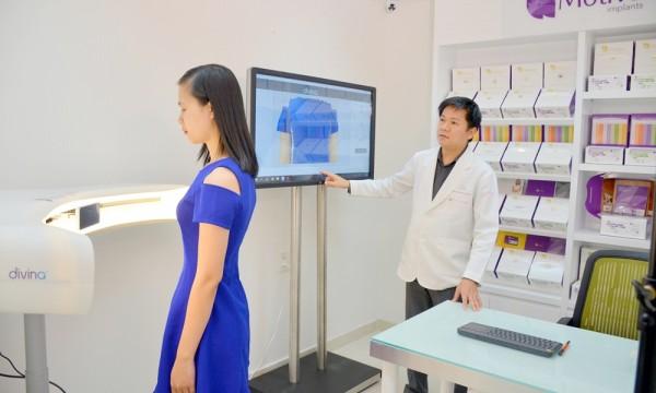 Hệ thống máy mô phỏng 3D tại Viện nâng ngực Nano chip Motiva JW cho phép bệnh nhân và bác sĩ lựa chọn size ngực một cách dễ dàng