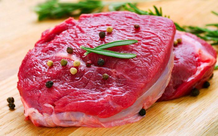 Không ăn thịt bò và các loại hải sản để hạn chế kích ứng vết thương