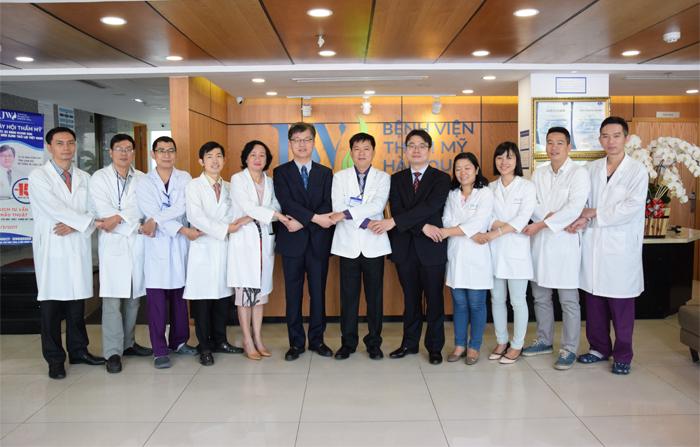 Đội ngũ bác sĩ chuyên khoa tại JW được đào tạo nhiều năm tại nước ngoài.
