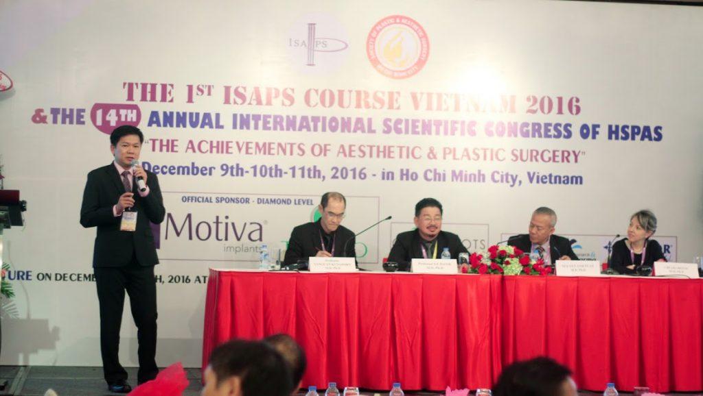 """TS. BS Nguyễn Phan Tú Dung báo cáo """"kinh nghiệm phẫu thuật hơn 1000 ca hàm mặt"""" tại hội nghị quốc tế ISAP"""