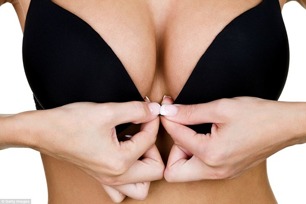 ngực to quá có làm sao không