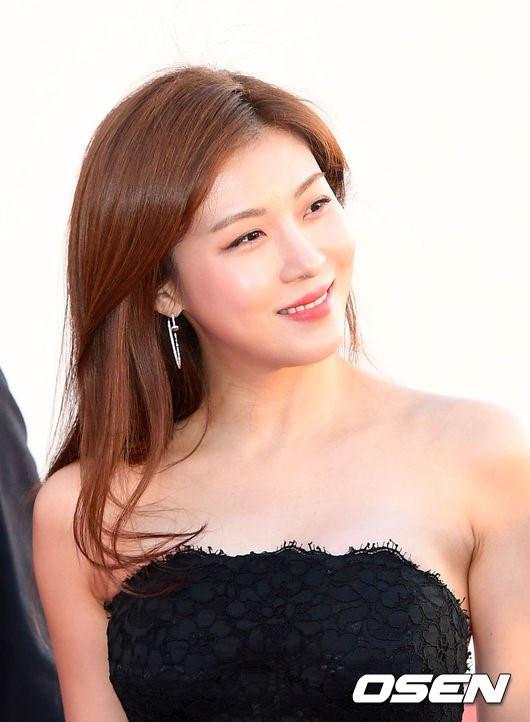 Thực hư chuyện Ha Ji Won phẫu thuật thẩm mỹ_1