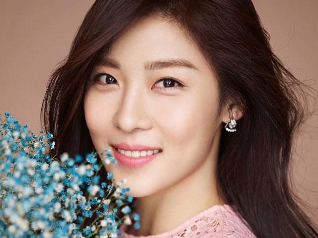 Ha Ji Won phẫu thuật thẩm mỹ