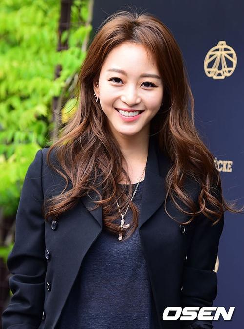Ảnh chứng minh Han Ye Seul phẫu thuật thẩm mỹ đẹp tự nhiên _6